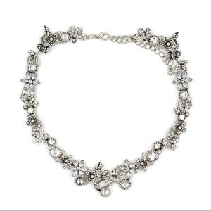 Silver pretty wreath crystal necklace